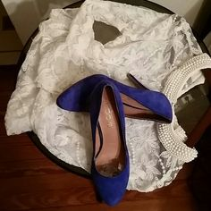 Bold blue Aldo heels Beautiful bold navy blue great with jeans this item is slightly worn no scratches Rips or holes item is in great condition. Same day shipping. ALDO Shoes Heels
