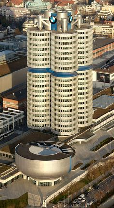 Munich, Germany - BMW Headquarters- The tower's exterior is supposed to mimic. The shape of four cylinders in a car engine. Unusual Buildings, Amazing Buildings, Contemporary Architecture, Architecture Details, Organic Architecture, Brick Pathway, Unusual Homes, Bedroom Art, Building Design