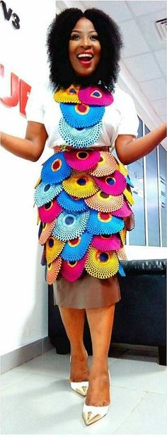 Dear Fashion Savvy Ladies, We are writing to let you know that kente has come to impress us with amazing designs. Kente is not as common as Ankara which makes it an appealing fabric. African Dresses For Women, African Print Dresses, African Attire, African Wear, African Fashion Dresses, African Women, African Prints, African Patterns, African American Fashion