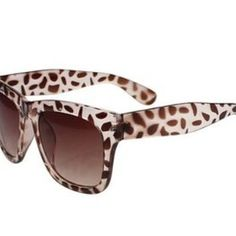 4bf461710919f Unisex D Shape Oversized Sunglasses Color White Leopard Unisex