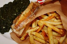 Fish & chips my way Hot Dog Buns, Hot Dogs, Fish And Chips, The Best, Dishes, Play, Cooking, Recipes, Food