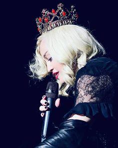 Madonna's Lisbon leg of the Madame X tour is an intense cultural cocktail Ricky Martin, Madonna Tattoo, Madonna Live, Divas Pop, Charlotte Gainsbourg, Great Women, Creative Portraits, Pop Singers, Material Girls