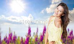 Natural  background : Spring  woman  closeup
