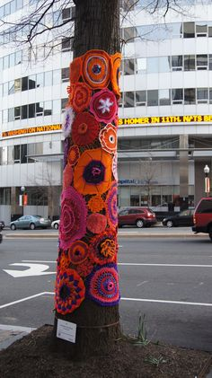 Crochet Tree, Freeform Crochet, Crochet Yarn, Yarn Bombing Trees, Finger Knitting, Tree Art, Textile Art, Garden Art, Fiber Art