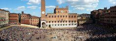 Piazza del Campo, Siena, before the Palio.
