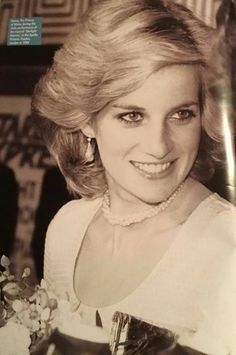 Look how flawless and beautiful lady diana was. this has to be one of my favorite photos of her. Princess Diana Fashion, Princess Diana Family, Princess Diana Pictures, Royal Princess, Princess Of Wales, Princess Wedding, Lady Diana Spencer, Prinz William, Elisabeth Ii