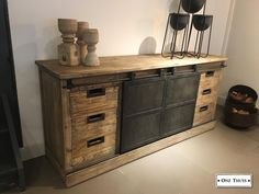 Stoer industrieel dressoir - Kasten - Onz Thuys Interior And Exterior, Interior Design, Living Room Cabinets, Industrial Furniture, Living Room Designs, Buffet, Candle Holders, Sweet Home, New Homes