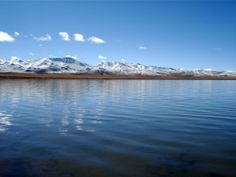 Amdo also has a large amount of beautiful lakes. The largest lake on the Tibetan Plateau is Tso Ngon or Qinghai Lake. Many of the lakes in Amdo have high snow-capped mountains behind them and often have nomads camped around them during the summer.