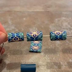 How to Make Beads from Canes - Modern Design Polymer Clay Canes, Polymer Clay Miniatures, Polymer Clay Necklace, Polymer Clay Projects, Polymer Clay Creations, Polymer Beads, Make Clay Beads, How To Make Beads, Bijoux Diy