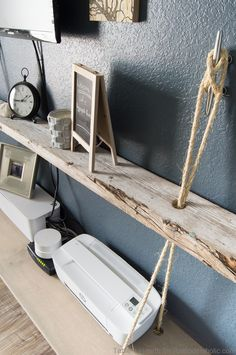 Love this nautical floating shelf with rope! Love this nautical floating shelf with rope! Nautical Office, Nautical Interior, Nautical Rope, Nautical Design, Beach Office, Nautical Style, Vintage Nautical, Nautical Art, Funky Home Decor