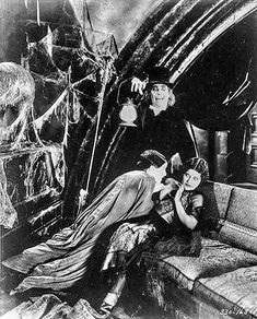 Lon Chaney, Marceline Day & Edna Tichenor - London After Midnight Classic Monster Movies, Classic Monsters, London After Midnight, Film Story, Lon Chaney, Marceline, Old Hollywood, Beast, Films