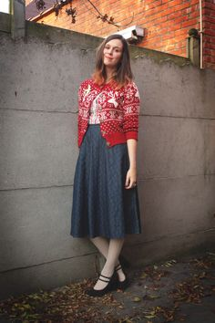 Adorable retro-holiday outfit!