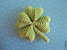 Four Leaf Clover Amigurumi Pattern (FREE)