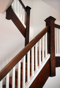 7 clever solutions to maximize your home 39 s storage space for Stair and railing solution