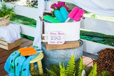 Paige Hemmis & Ken Wingard go head-to-head in this DIY Pool Noodle Challenge. Summer Crafts For Kids, Summer Activities For Kids, Diy For Kids, Kid Crafts, Family Activities, Summer Fun, Pool Noodle Wreath, Pool Noodle Crafts, Home And Family Hallmark