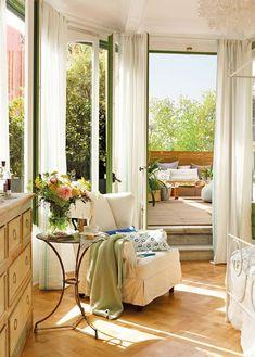 Romantic Bedroom Design With Semicircular Windows | DigsDigs