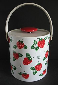 strawberry ice bucket