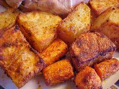 Une belle façon de préparer les pommes de terre, je les ai fait pour accompagner le poulet assaisonné rôti au four que j'ai donné sur ce ... Dominican Food, Potato Recipes, Sweet Potato, French Toast, Brunch, Food And Drink, Pork, Menu, Vegetables