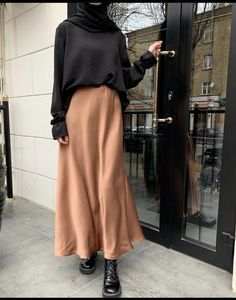 Modest Fashion Hijab, Modern Hijab Fashion, Muslim Women Fashion, Street Hijab Fashion, Modesty Fashion, Hijab Fashion Inspiration, Look Fashion, Korean Fashion, Teen Fashion