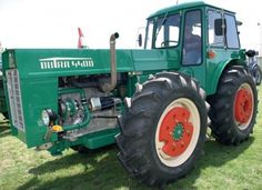 Vintage Tractors, Vintage Farm, John Deere 4320, New Holland, Rubber Tires, Four Wheel Drive, Heavy Equipment, Cars And Motorcycles, Trucks