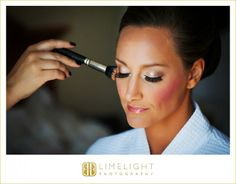 The bride getting ready, Limelight Photography, Tampa Marriott Waterside Hotel, www.stepintothelimelight.com
