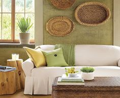 Green and Brown living room decoration Living Room Green, Green Rooms, Living Room Decor, Deco Champetre, Design Apartment, Modern Wall Decor, Wicker Furniture, Green And Brown, Room Inspiration