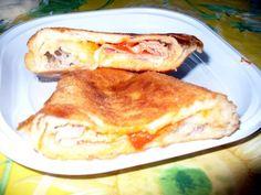 Pitoni Siciliani Fritti o Cotti al Forno, ripieni di Pomodori, Scarola, Acciughe, Mozzarella e Prosciutto Cotto