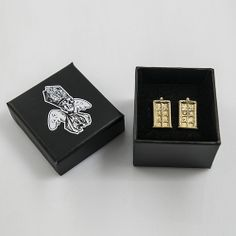 doctor who's TARDIS cuff links http://thelittlesaint.tumblr.com/image/86447508615
