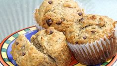 Muffins à l\'avoine et aux bananes Muffin Choco Banane, Breakfast Muffins, Breakfast Recipes, Dessert Ww, Yummy Treats, Yummy Food, Muffin Recipes, Biscuits, Cooking Recipes