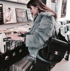 Стильные женские зимние образы, модная верхняя одежда и аксессуары. Fashion, style, look, outfit, girl, winter