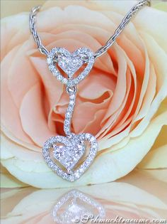 Pretty Diamond Heart Pendant, 0.77 ct. G-VS, Whitegold 18K - Visit: schmucktraeume.com