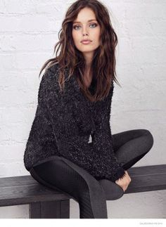 Emily's Ready for Fall–Tapped for the fall-winter 2014 catalogue from Calzedonia, top model Emily DiDonato poses in trendy looks for the season. Emily Didonato, Beautiful Models, Gorgeous Women, Beautiful Images, Modelo Emily, Mode Glamour, Rock Chic, Belle Photo, Autumn Winter Fashion