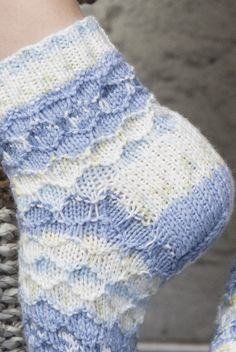 Strukturstickade sockor Novita Niitty | Novita knits Knits, Barn, Blanket, Knitting, Crochet, Converted Barn, Tricot, Breien, Stricken