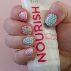 Fun fresh springy mani with a sneak peek from the #Jamberry new spring line debuting March 1st... #outoffocusjn is paired with #chicinpinkjn (recent stylebox exclusive) & #whitetealpolkajn