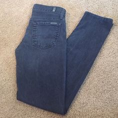 7 for all Mankind Roxanne Skinny Jeans Black Sz 25 Beautiful pair of women's 7 For all Mankind Black Skinny Jeans in Roxanne Cut Size 25 Waist with inseam of 29 7 for all Mankind Jeans Skinny