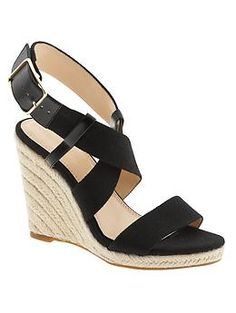 Banana Republic shoes for women are available in dress shoes, flats, pumps, sandals and more. Our shoes for women are designed to be flattering and comfortable. Espadrille Sandals, Espadrilles, Accessorize Shoes, Splendour In The Grass, Latest Shoes, Modern Outfits, Banana Republic, Fashion Shoes, Summer Outfits