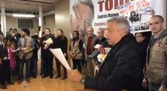 Dos manifestantes en NY acusan a AMLO de nexos con Ayotzinapa