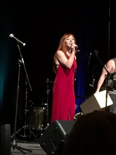 Cherie Amour @cheriemorte    .@RuthieConnell is all in red velvet. Babe level: extremely fucking high. #SNS #SPNVegas #VegasCon