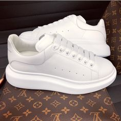 The Effective Pictures We Offer You About fila shoes outfit comfy A quality picture can tell you man White Shoes, White Sneakers, Shoes Sneakers, Shoes Heels, Adidas Sneakers, Dr Shoes, Me Too Shoes, Trendy Shoes, Casual Shoes