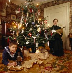 Danish Christmas tree anno 1895, Den Gamle By in Aarhus....yes from old days..lol