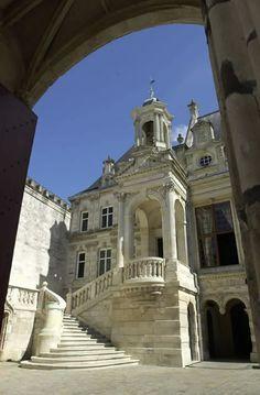 Hôtel de Ville ~ La Rochelle, Charente-Maritime, France.