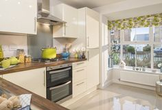 Woodbridge Kitchen Barratt Homes 23 Oct 13