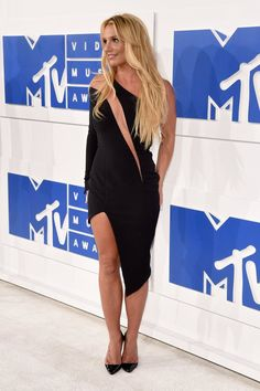 Britney Spears looks as hot as ever on the VMAs red carpet.