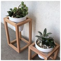 Pflanzideen 38 DIY plant stands, with which you can discover your creativity, # # # DIY plant stands Modern Plant Stand, Diy Plant Stand, Wooden Plant Stands, Outdoor Plant Stands, Diy Home Decor, Room Decor, Art Decor, House Plants Decor, Flower Stands