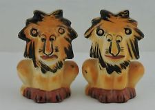 VINTAGE NOVELTY ART POTTERY LION CARTOON CHARACTER SALT PEPPER SHAKER SET RARE
