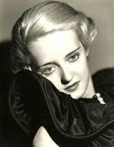 """screengoddess: """"Bette Davis 1930's - Photo de Elmer Fryer"""""""
