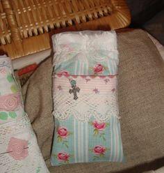 "Cellular phone pouch ""Rose Garden"". To buy: http://de.dawanda.com/product/39657174-handy-etui-rosegarden -  Facebook page: https://www.facebook.com/Wilhelmine-Wiesenkraut-802474093168101/?ref=tn_tnmn"