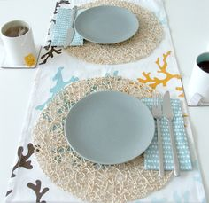 Image detail for - ocean-inspired-modern-table-setting-blue-white-brown-beige-wedding . Beach Table Settings, Diy Place Settings, Wedding Reception Games, Wedding Themes, Reception Ideas, Ocean Blue Weddings, Beige Wedding, Outdoor Wedding Inspiration, Wedding Table Centerpieces