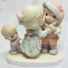 "PRECIOUS MOMENTS 1998 6"" I SAW MOMMY KISSING SANTA CLAUS PORCELAIN FIGURINE"