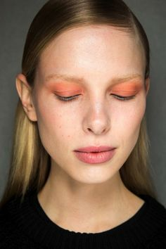peach sun-kissed eyeshadow at Thakoon F/W 2015 #beauty #makeup